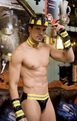 """Мужской эротический костюм пожарного """"Пылающий Стивен"""" - В огне страсти"""