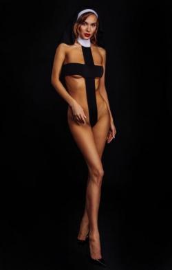 """Эротический костюм-крест монашки """"Откровенная Лана"""" XS/S, М, цвет: черный"""